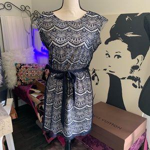 Guess blue & cream lace dress size 4